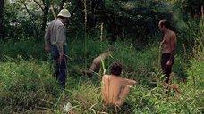 3. Полностью голая Камилль Китон после изнасилования в лесу – День женщины