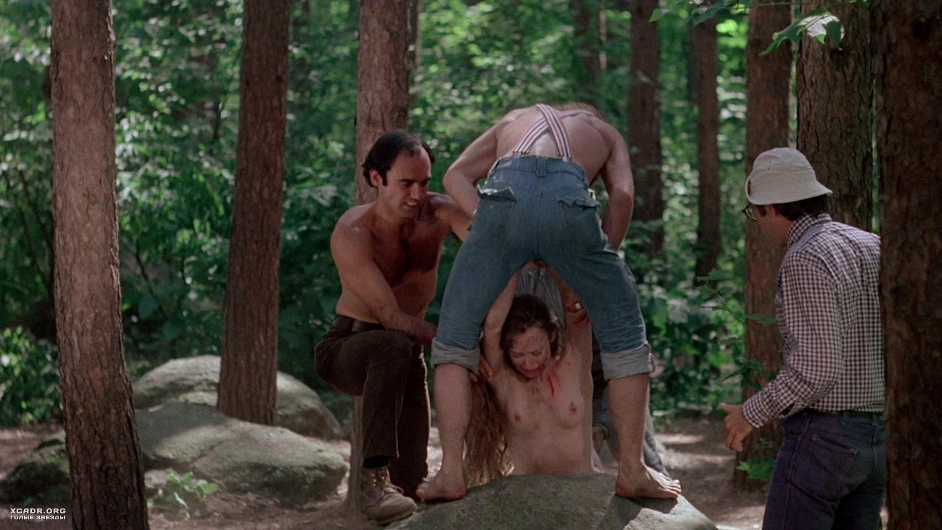 эротика в фильм лесу чужая