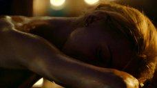 9. Секси Кристина Асмус – Чемпионы: Быстрее. Выше. Сильнее