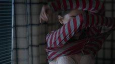 1. Секси Наталия Дайер в лифчике – Очень странные дела