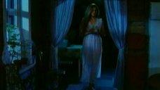 Ольга Егорова в ночнушке