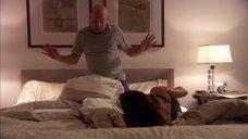 12. Памелу Адлон шлепнули по попе – Блудливая Калифорния
