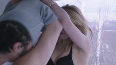 13. Интимная сцена с Хейли Беннетт – Глубокий снег