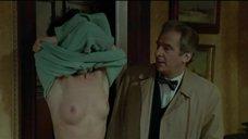 2. Забу Брайтман показывает голую грудь – Одна женщина или две
