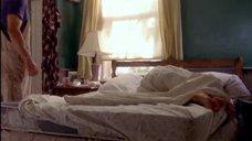1. Сигурни Уивер в постели – Карта мира