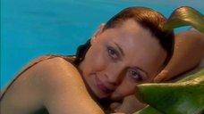 4. Дарья Повереннова в купальнике – Об этом лучше не знать