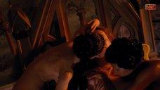 2. Эротическая сцена с Салчак Викторией и Агнеттой Ойеволе – Гольфстрим под айсбергом